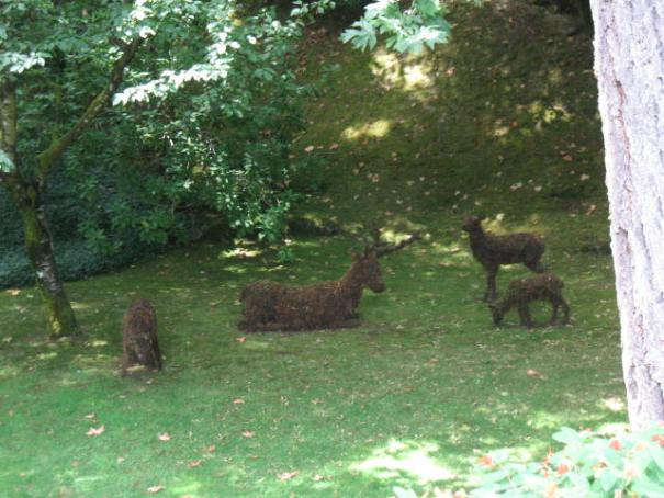 Topiary Elk