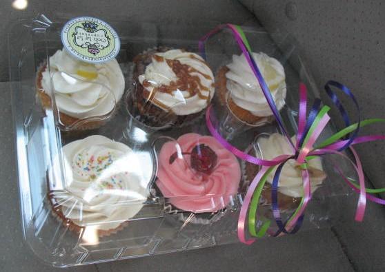 Tonight's dessert! Ooh La La cupcakes.