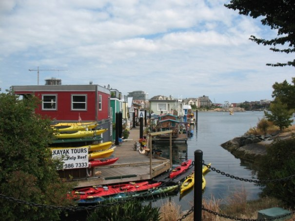 What we call Boathouses, here they are called Floathouses.