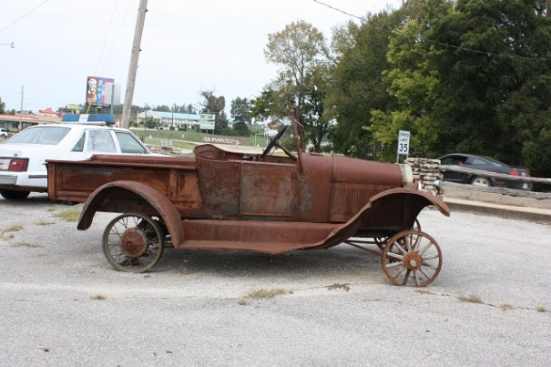 Wooden spokes in the front?