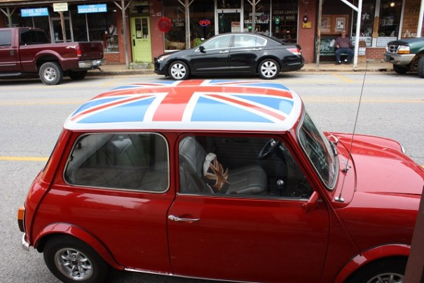 I guess a 1962 mini cooper, outside The Pig and Whistle Restaurant.