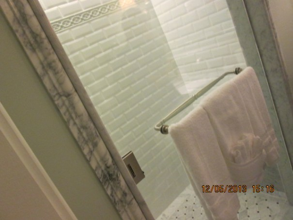 Two showers in the one bedroom units so you can get going fast (to Disney World).