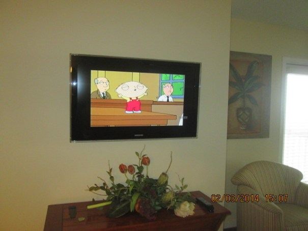 Nice flat screens in master and living room.