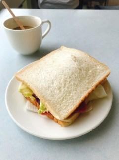 環山雅築 Mountain Lodge 朝食のサンドイッチ
