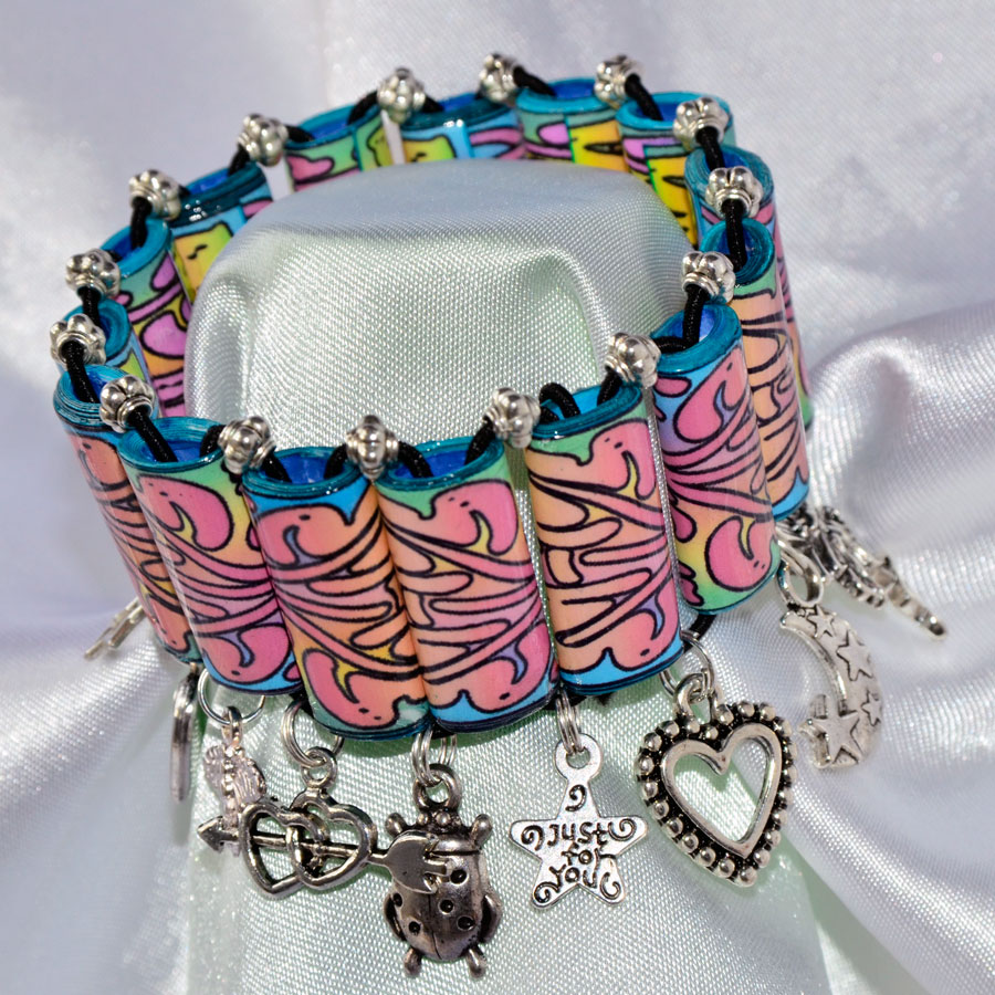 Making Handmade Christmas Gifts? Try This Gorgeous Charm Bracelet!