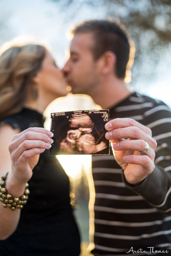 Set A Trend With These 9 Couple Maternity Shoot Ideas