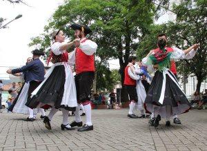 Danças folclóricas alemãs e italianas são a atração no domingo, dia 15 | Foto: Tiago Amado