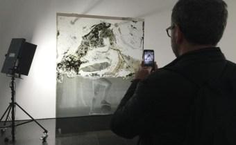 Barcelona 06 04 2017 Icult Exposicion  Akram Zaatari  Contra la fotografia  Historia anotada de l Arab Image Foundation   en el Macba