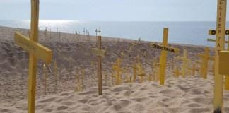 Cruces en la playa de Canet de Mar | FOTO: CDR Canet de Mar