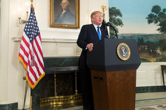Trump incendia Irán con su retirada del acuerdo nuclear y asesta un estacazo a Europa