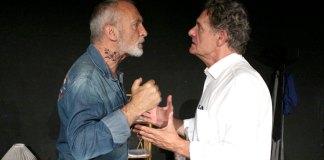 """Óscar Pretzel (izquierda) y Álvaro Roig, en el teatro """"Lagrada"""", de Madrid, el 5 de julio.   FOTO: Francisco Higuera"""