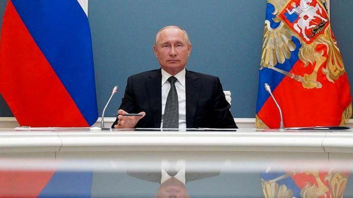 """Putin impone la """"verdad"""" del stalinismo"""