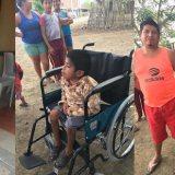 Fundación Santa Barbara dona silla de ruedas a niño  con mucopolisacaridosis