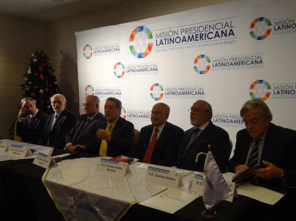 Ex Presidentes Latinoamericanos en Atlanta anunciando la creación de la Misión Presidencial Latinoamericana.