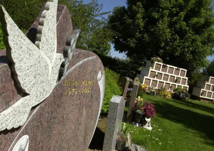 la crémation fait partie des deux techniques funéraires utilisées en France