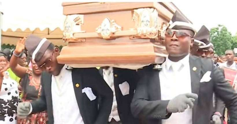 Porteurs Enterrement Gana