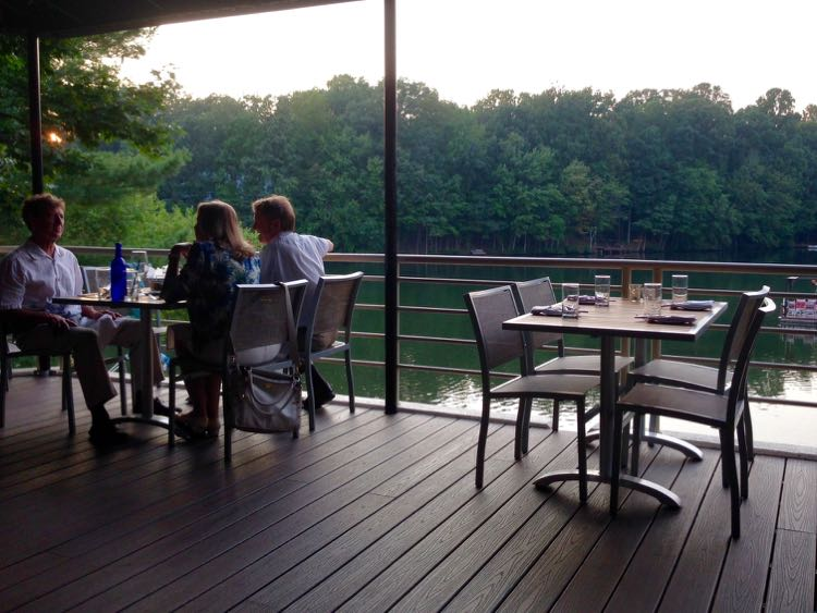 25 Tasty Options For Northern Virginia Outdoor Dining