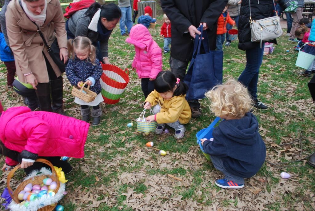 Easter egg hunt, photo: Vienna Virginia