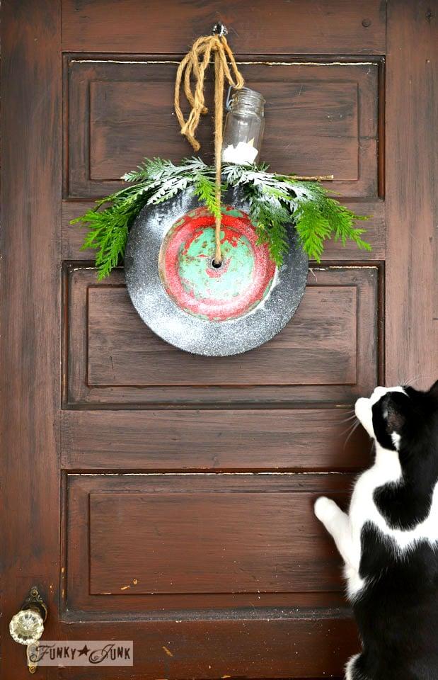 Make Junk Wheel Christmas Wreaths InstantlyFunky Junk