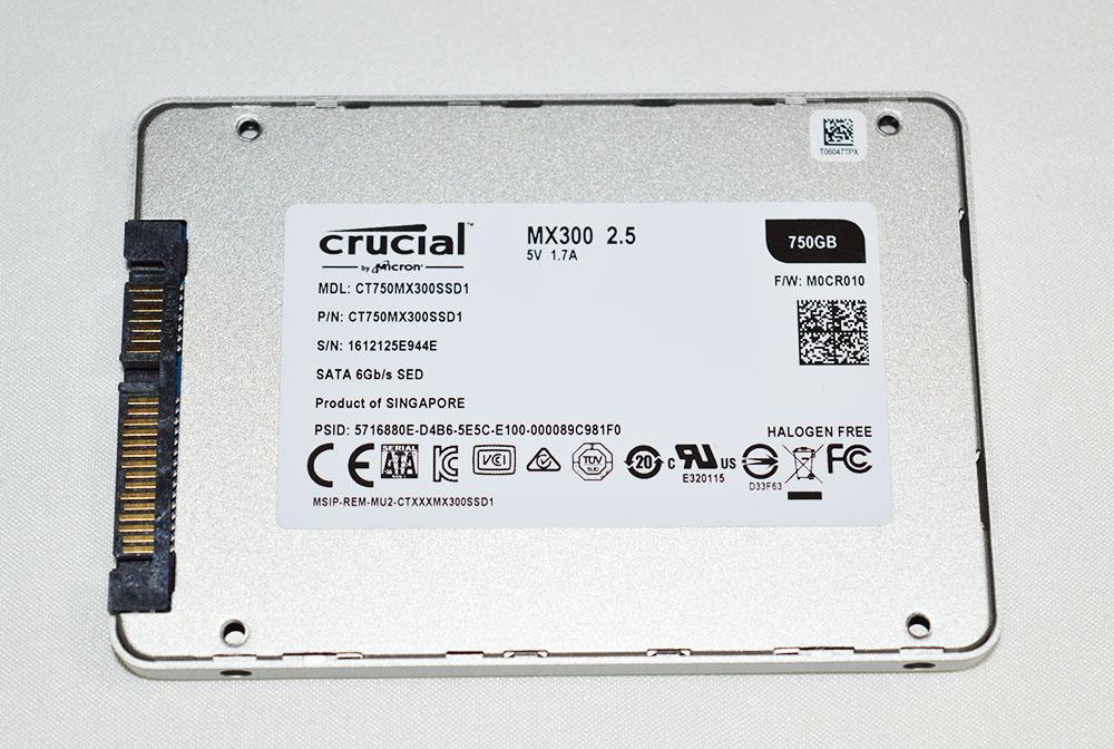 Crucial_MX300_pht10