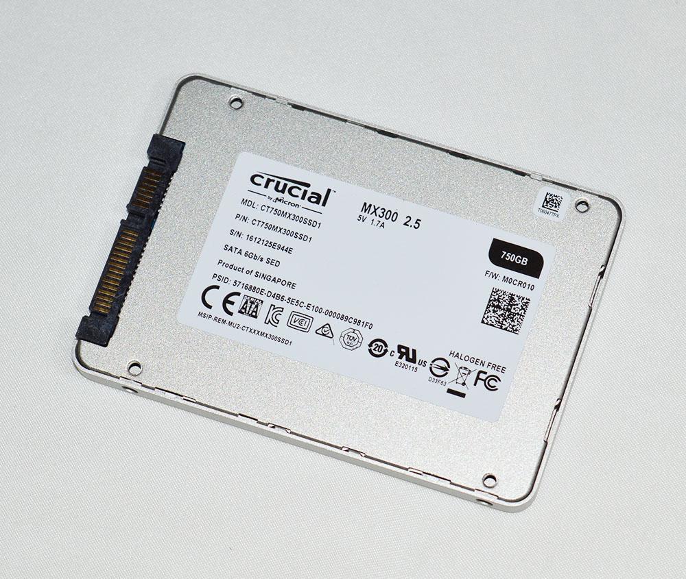 Crucial_MX300_pht12