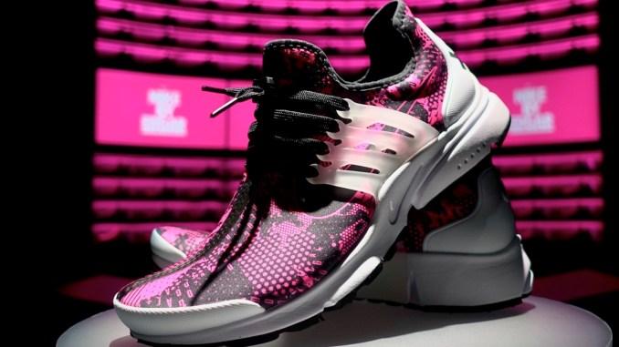 Resistente cordura Despertar  A Custom-Made Pair of Nike Sneakers in 46 minutes - FunkyKit