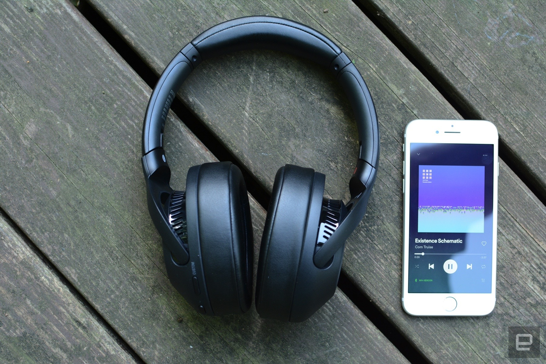 sony-wh-xb900n-review-3