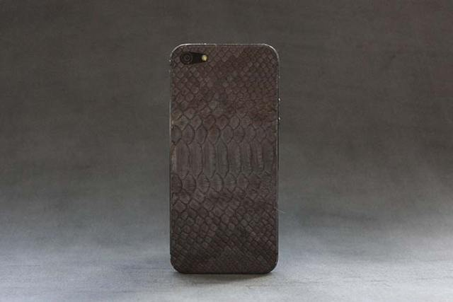 iPhone-5-grey-python-skin-1-FSMdotCOM