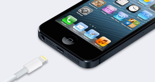 replace-iphone-5-charging-port-1-FSMdotCOM