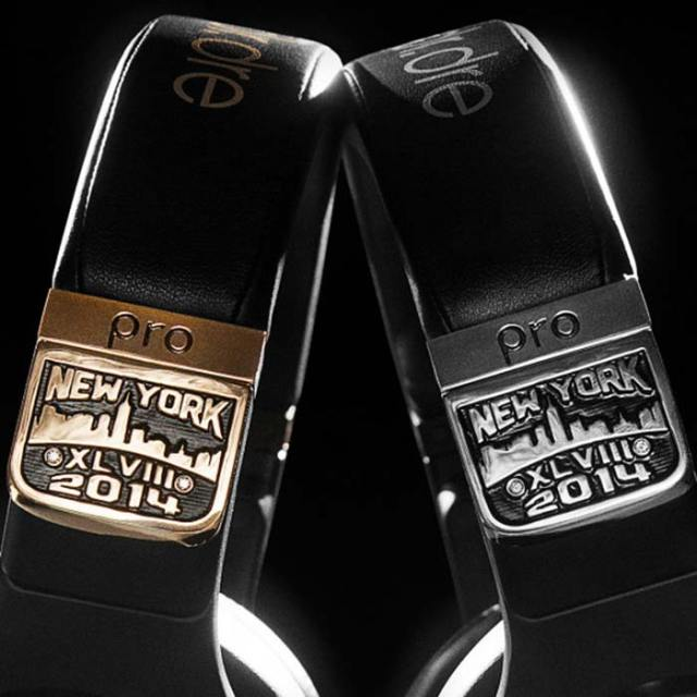 graff-diamonds-x-beats-by-dr-dre-pro-headphones-super-bowl-XLVIII-2-FSMdotCOM
