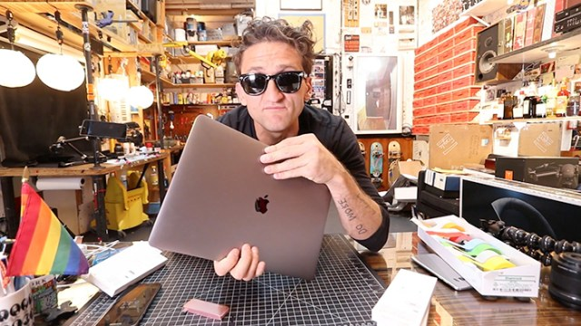 casey-neistat-macbook-pro-with-touchbar-FSMdotCOM