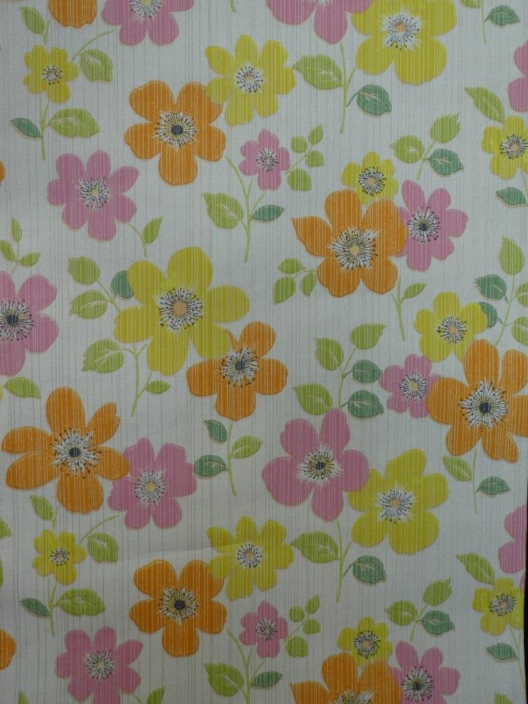 papier peint vintage fleurs rose jaune
