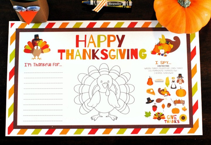 The kids will love sitting down at the Thanksgiving kids table with these super fun printable placemat activity sheets. Click over for more Thanksgiving kids table ideas.