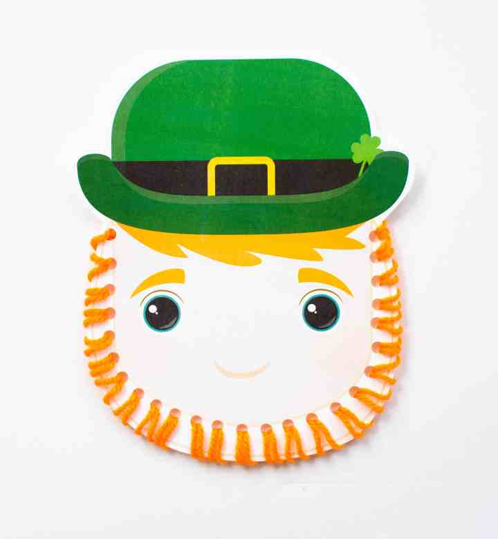 image of finished leprechaun lacing card
