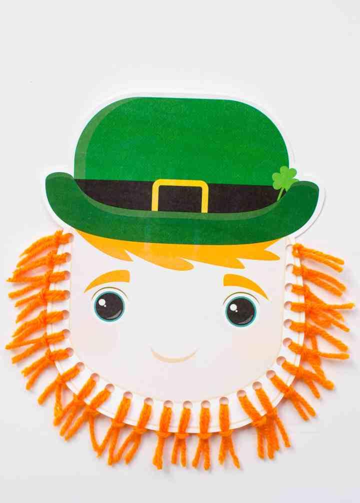 Leprechaun beard craft with yarn
