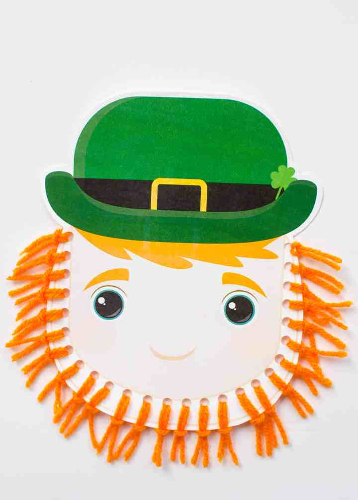 Leprechaun beard craft with yarn