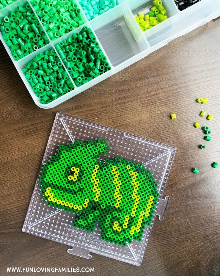 green chameleon melty bead craft