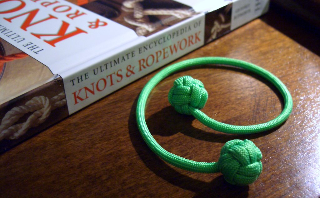 paracord bookmark with monkey fist knot