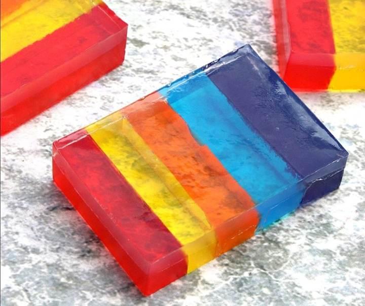 diy rainbow glycerin soap