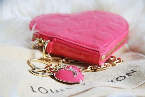 cute-pink-teenage-girl-stuff- (5)
