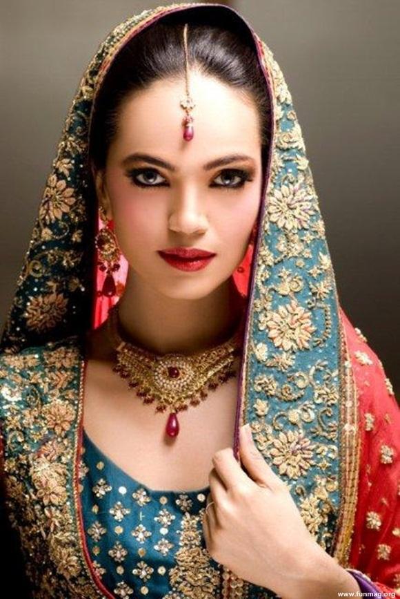 amina-sheikh-bridal-makeover-for-huma-ali- (4)