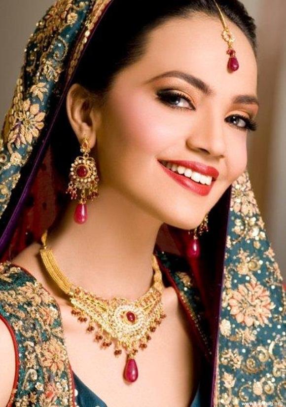 amina-sheikh-bridal-makeover-for-huma-ali- (5)