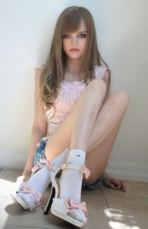 living-barbie-dakota-rose- (21)