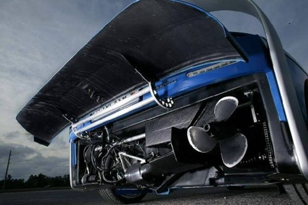 rinspeed-splash-sports-car-and-speed-boat- (7)
