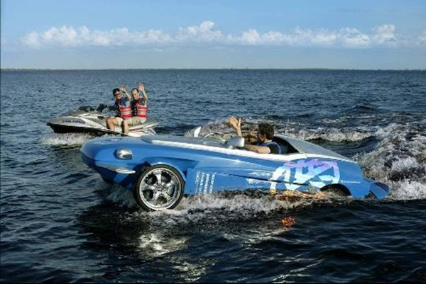 rinspeed-splash-sports-car-and-speed-boat- (11)