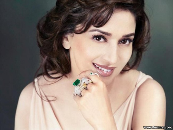 photos-of-madhuri-dixit- (1)