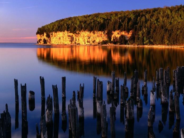 beautiful-natural-lakes-26-photos- (3)
