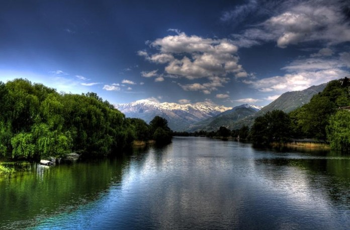 beautiful-natural-lakes-26-photos- (14)