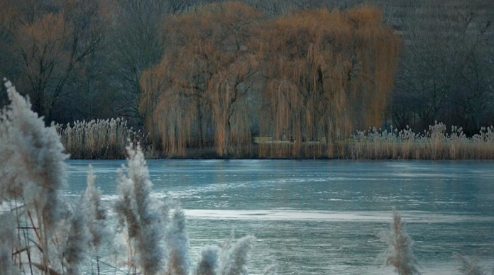 beautiful-natural-lakes-26-photos- (26)