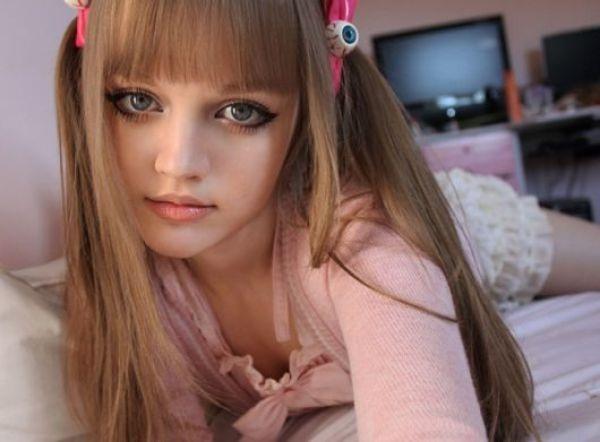 living-barbie-doll-dakota-rose- (1)